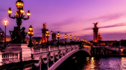 how to travel paris in low budget