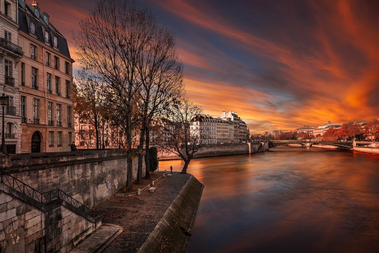 Places to travel in france